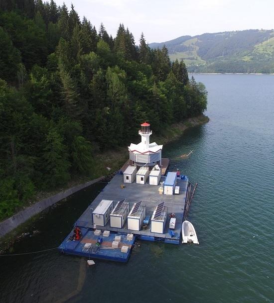 Case plutitoare